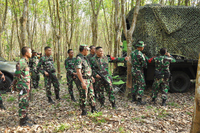 Danpuslatpur Kodiklat TNI AD Tinjau Latihan Antar Kecabangan di Martapura