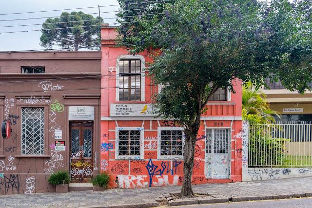 Sede da Sociedade Paranaense de Canaricultura e Ornitologia, na Rua Trajano Reis