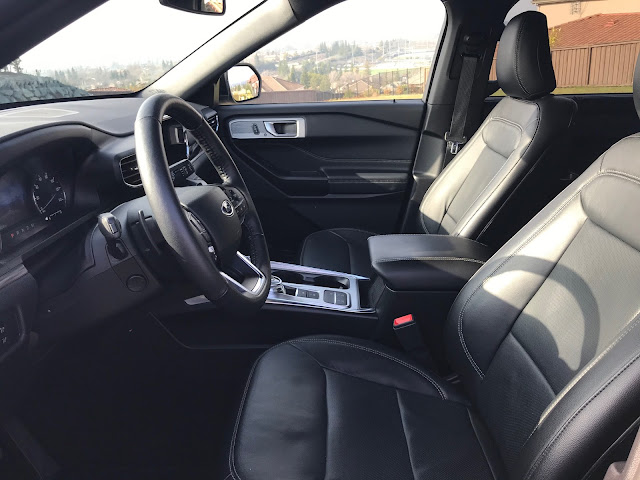 Front seats in 2020 Ford Explorer Limited Hybrid