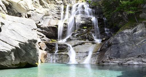 La Cascata di Lillaz vicino Cogne (Aosta) - Travel blog Viaggynfo