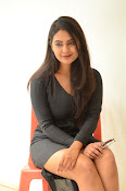 Neha deshpande new sizzling pics-thumbnail-9