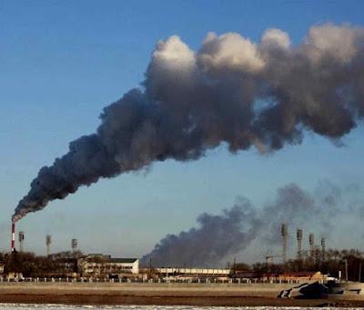 Usina da nova e risível líder salvadora do clima, em Heihe, nordeste da China