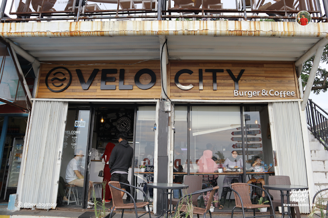 Velocity Burger and Coffee Padang