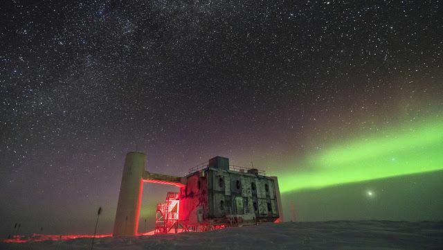 """Experimento antártico detecta unas """"partículas fantasmales"""" que la física estándar no puede explicar"""
