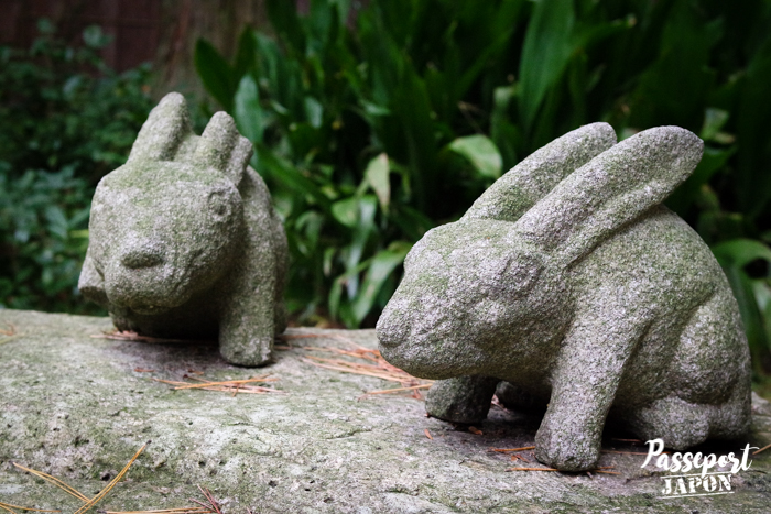 Statuettes de lapins, jardin Gyokusen-en, Kanazawa