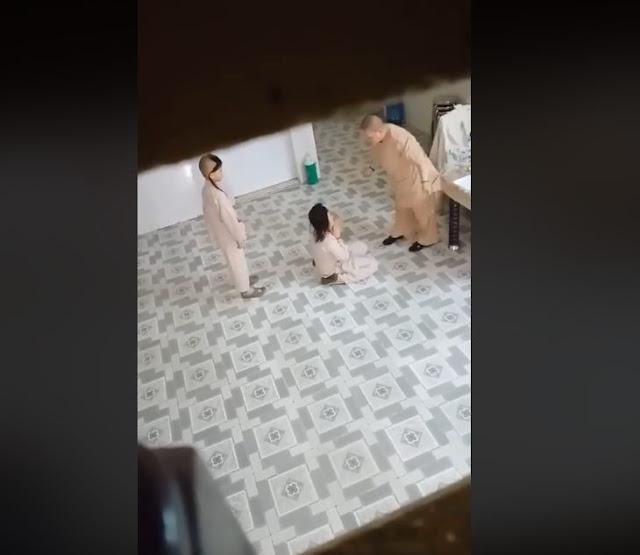 Xôn xao đoạn clip ni cô cho đệ tử giữ tay, đánh trẻ em như thời trung cổ