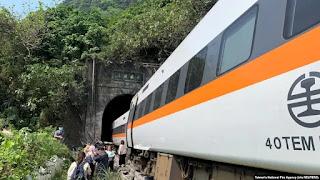 Kereta Api Tabrak Truk, 36 orang Tewas dan 70 lainnya terperangkap di Terowongan