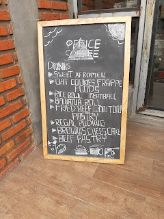 Papan menu di office coffee
