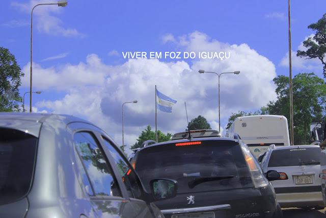Argentina quer cobrar pedágio de turistas em Puerto Iguazú
