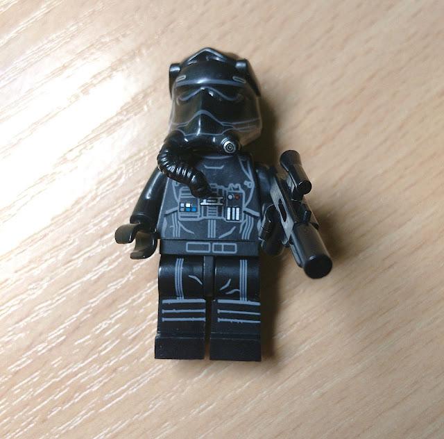 Минифигурка лего пилот первого ордена