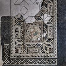 Mosaico con amorino