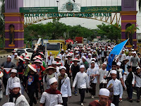MERINDING !! Tak Ada di TV, Video 10.000 Umat Islam Ciamis Sudah Mulai Berangkat Ke Jakarta Jalan Kaki