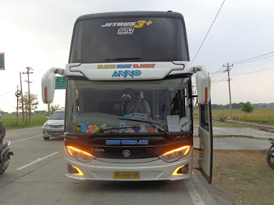 Foto Bus Sudiro Tungga Jaya Anno