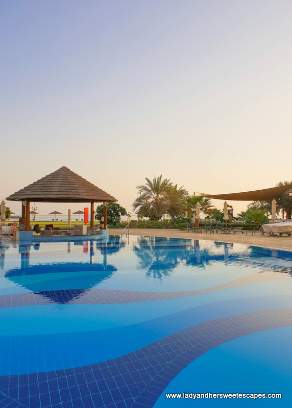Danat Jebel Dhanna Resort pool