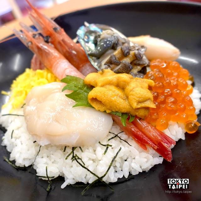 【函館Bukkake】函館朝市水產店直營食堂 海鮮丼上有整顆新鮮鮑魚
