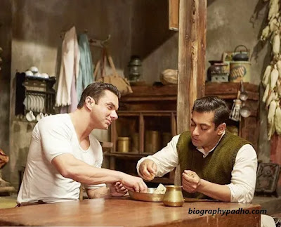 Sohail Khan with salman khan