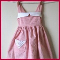 Vestido pinafore rosa