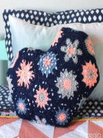 https://translate.googleusercontent.com/translate_c?depth=1&hl=es&rurl=translate.google.es&sl=en&sp=nmt4&tl=es&u=https://persialou.com/2015/04/heart-shaped-hexagon-pillow-crochet-pattern.html&usg=ALkJrhgH-CKpgQqFQ7Xx6b8XV6inSPMyBA