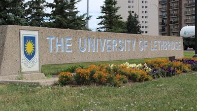 منحة جامعة ليثبريدج لدراسة درجة الدراسات العليا في كندا