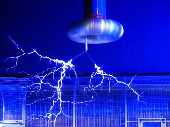 Điện không dây, tia tử thần là 2 trong 8 phát minh của Nikola Tesla, nhà bác học lập dị