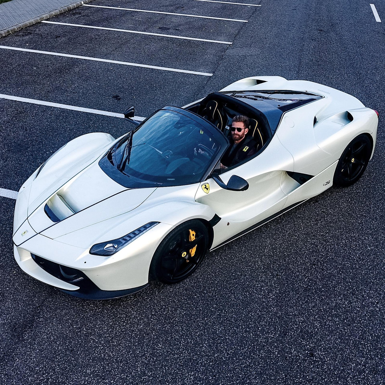 josh cartu 39 s white laferrari aperta is simply breathtaking. Black Bedroom Furniture Sets. Home Design Ideas