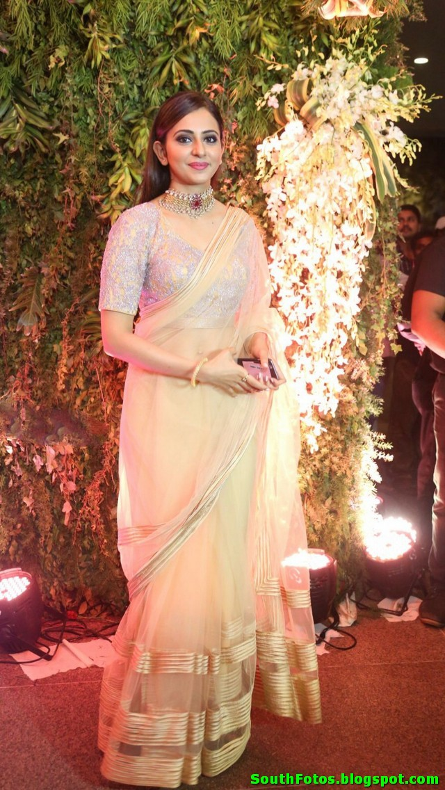 Rakul Preet Singh Latest in Saree Photos