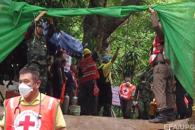 Із затопленої печери в Таїланді вивели іще двох дітей