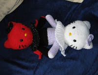 PATRON GRATIS HELLO KITTY ANGEL Y DEMONIO AMIGURUMI 1951