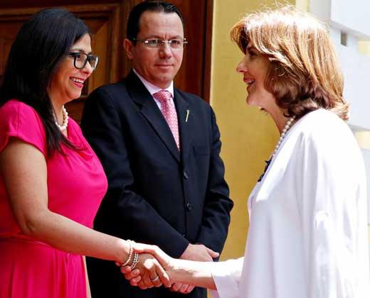 """Venezuela y Colombia acuerdan crear una """"cédula fronteriza"""""""