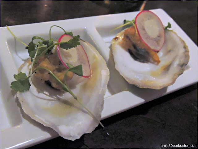 The Hourly Oyster House: Fried Duxbury Oysters
