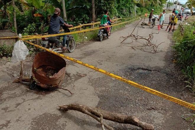 Jalan Aspal Ambles di Palattae, Mobil Dilarang Melintas