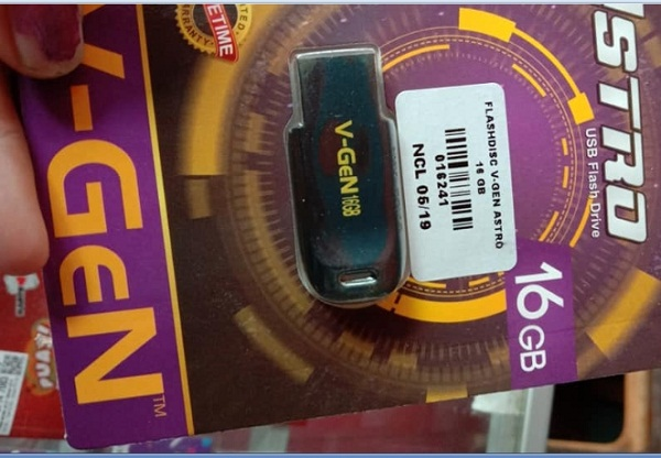 Flashdisk/HDD External Untuk Memindahkan Foto