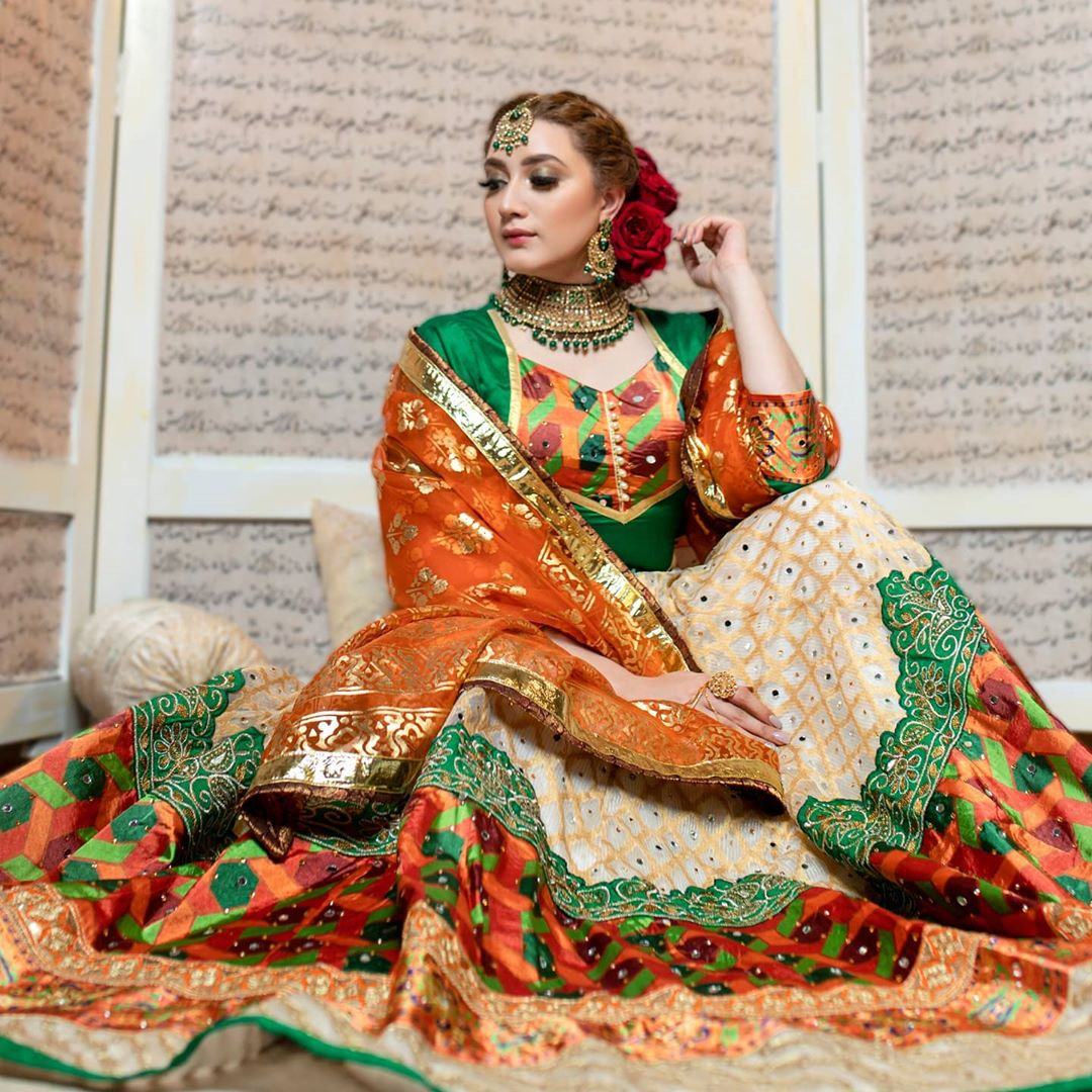 Ehd-e-Wafa Actress Momina Iqbal Majestic Looks from Bridal Photo Shoot