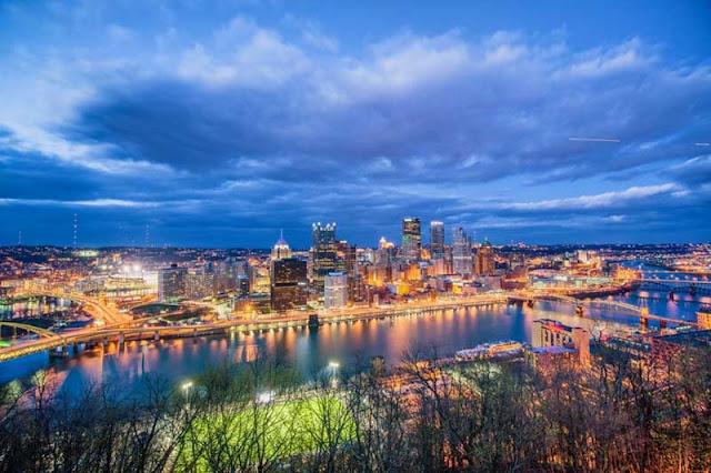 Washington painting at night in Pittsburgh