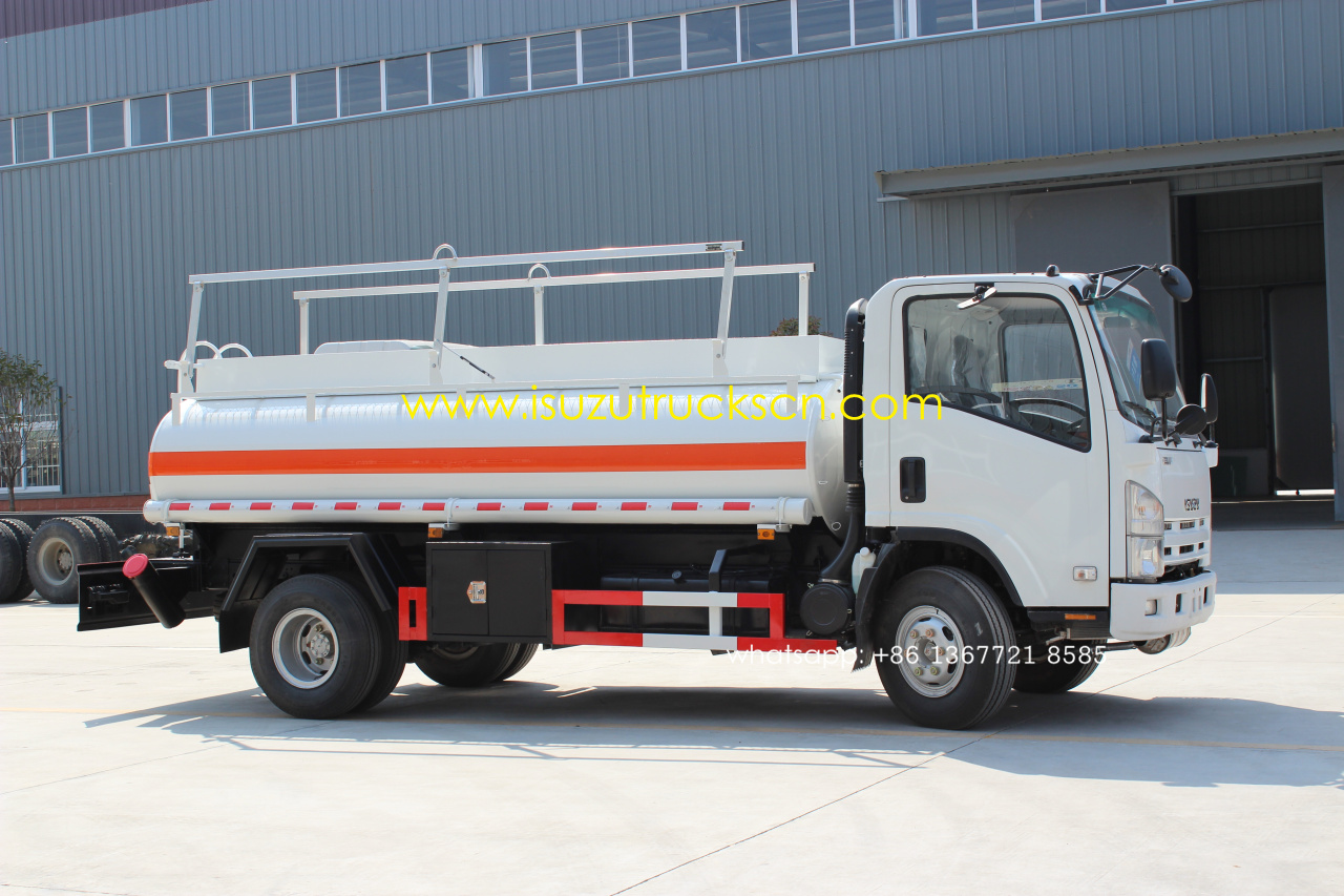 isuzu fire trucks isuzu fuel water tanker trucks isuzu road sweeper isuzu garbage compactor. Black Bedroom Furniture Sets. Home Design Ideas