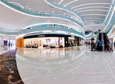 Mall terbesar di Surabaya Ciputra world