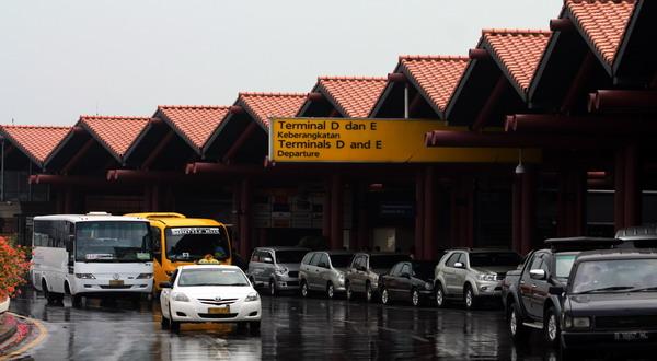 Rental Elf Untuk Antar Jemput Bandara