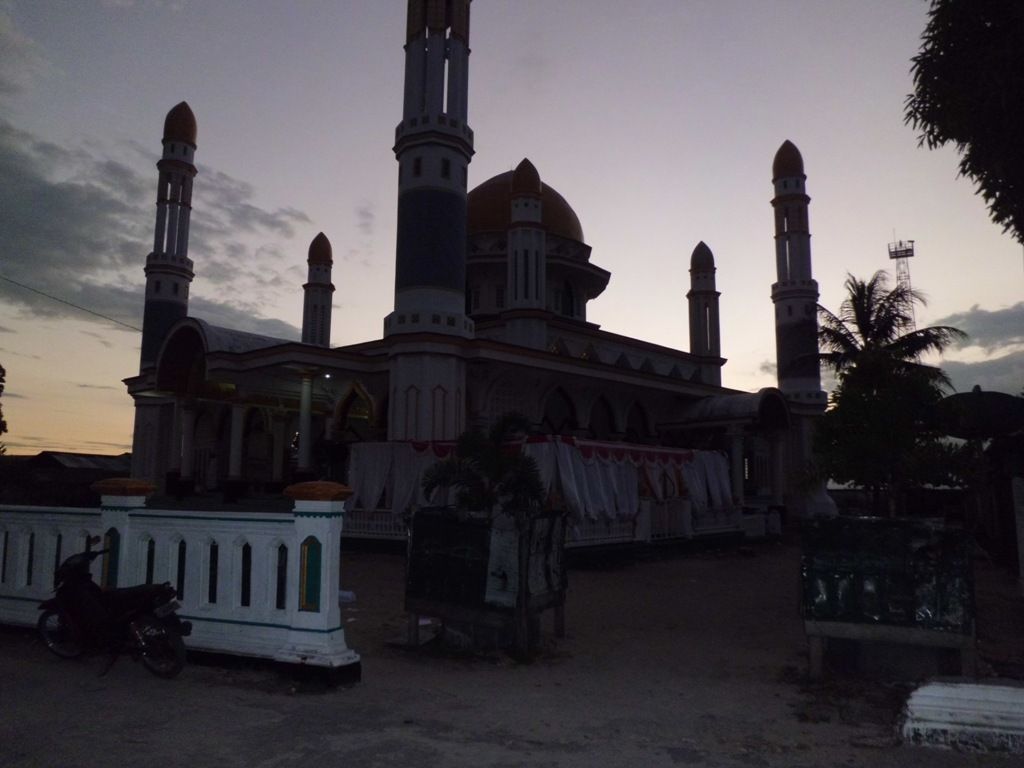 Gambar Masjid Agung Kota senja Kaimana Papua  Ardi La