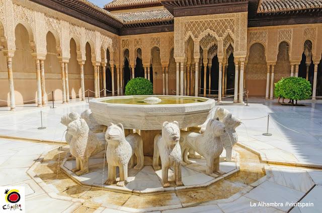 Patio de los Leaones - Alhambra, Granada, Espanha