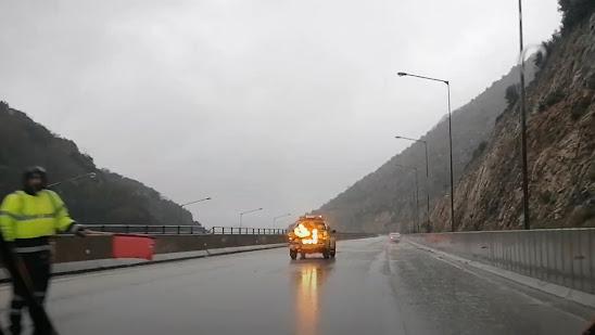 Ηγουμενίτσα: Μικροπροβλήματα στην Εγνατία από πτώση βράχων στο οδόστρωμα (+ΒΙΝΤΕΟ)