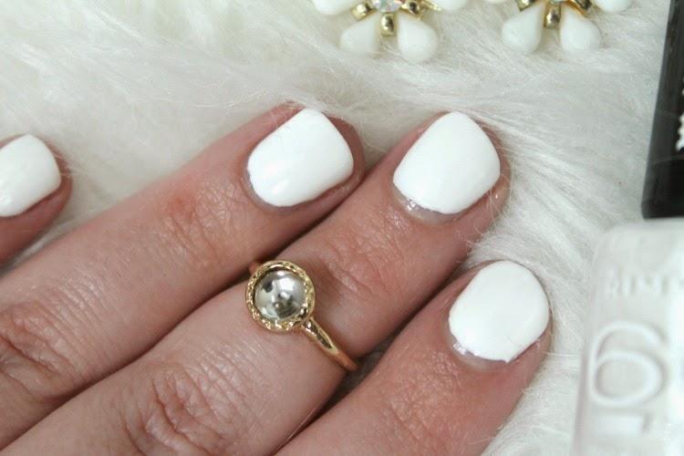 Rimmel 60 Seconds Rita Ora Nail Polish in White Hot Love