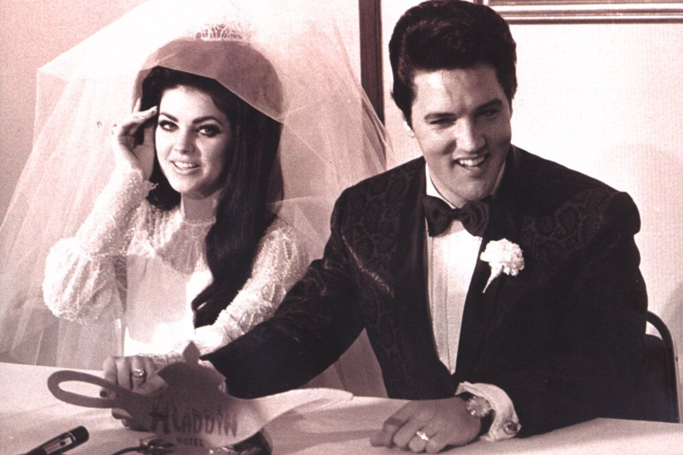 45 Candid Photographs Of Elvis And Priscilla Presley On