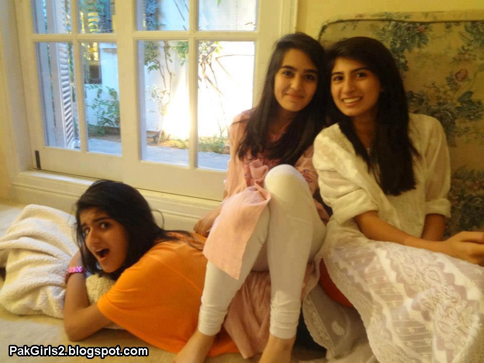 Lesbian pakistani school girls, aishwrya raixxx