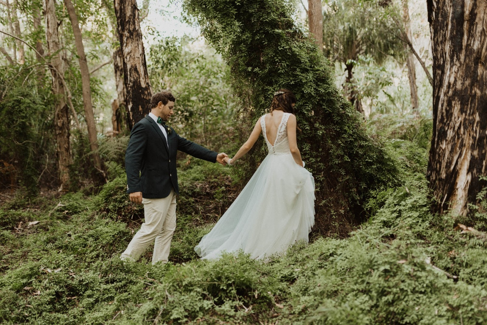 LOVE: HANNAH AND RYAN   RUSTIC WEDDING AGNES WATERS QLD