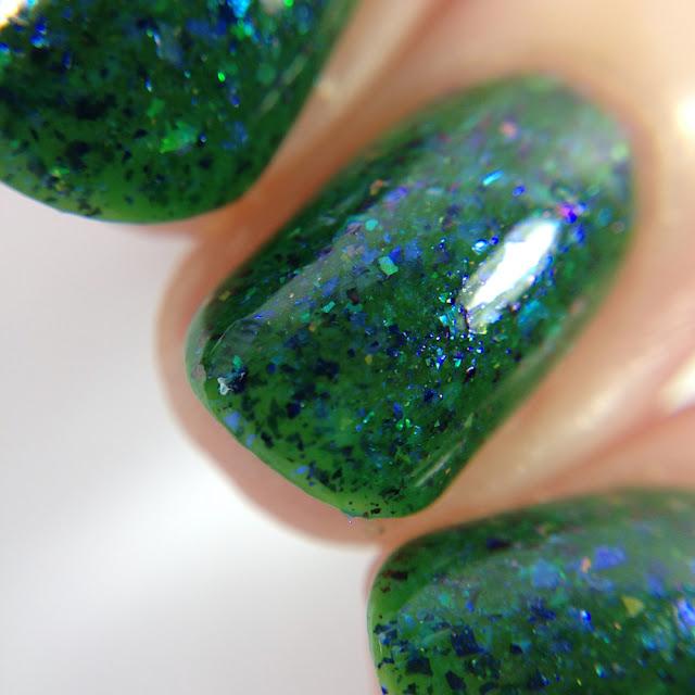 Glisten & Glow-Hypnotized by the Peacock's Eyes