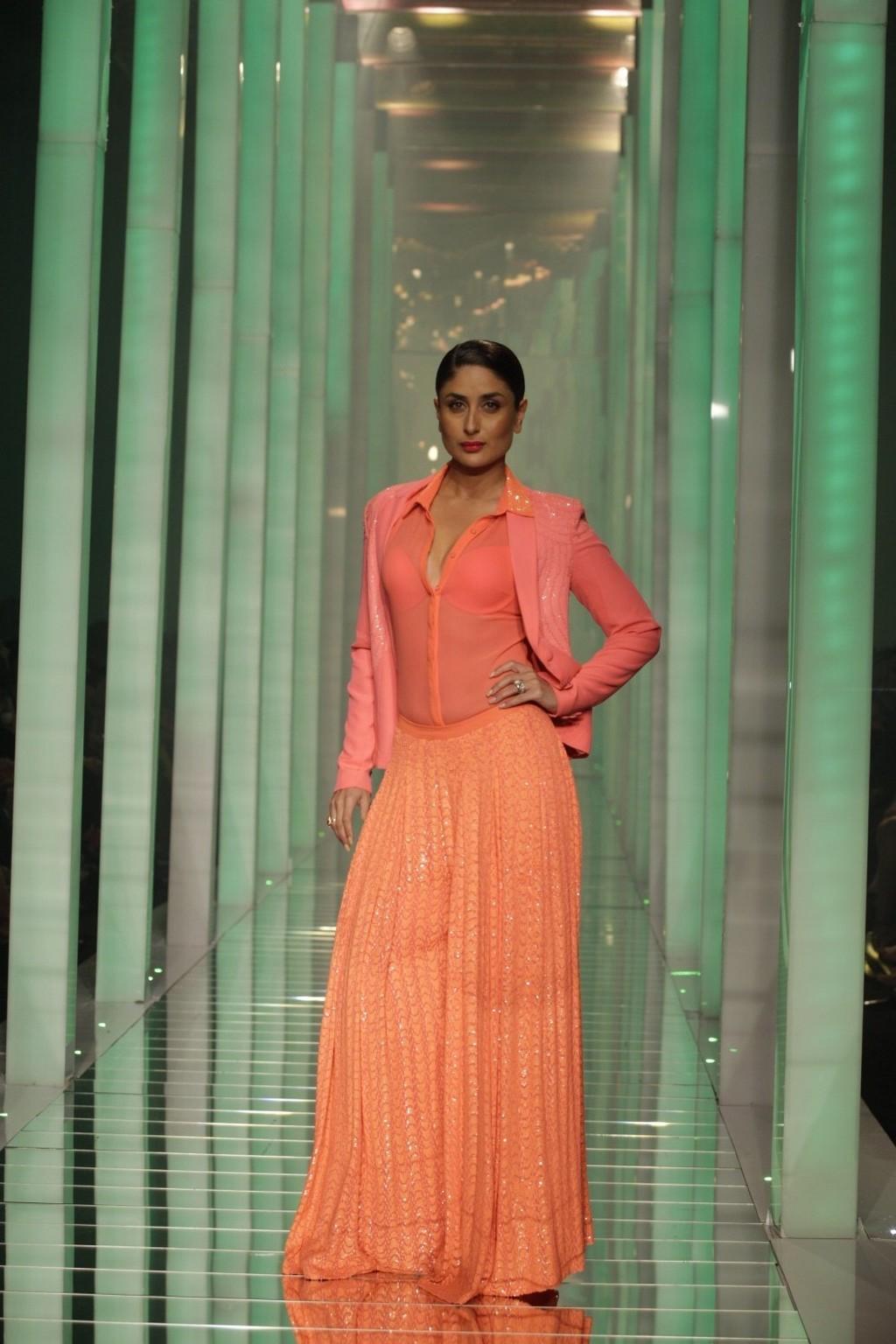 Hollywood Celebrities: Kareena Kapoor Photos HD 7