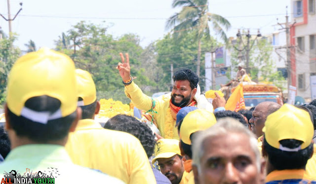 Ram Mohan Naidu road show with people wallpaper