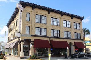 Magnolia Ave & Bay St en Eustis