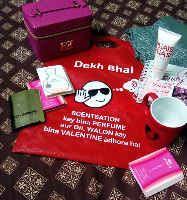 Valentine's Gift Ideas, Red Gifts, Gifts for Him, Gifts for her, Gifts in Pakistan, Perfumes, Personalized Gifts, Scentsation, Beauty blog, Beauty bloggers meetup, Hot and cold mug, red alice rao, redalicerao
