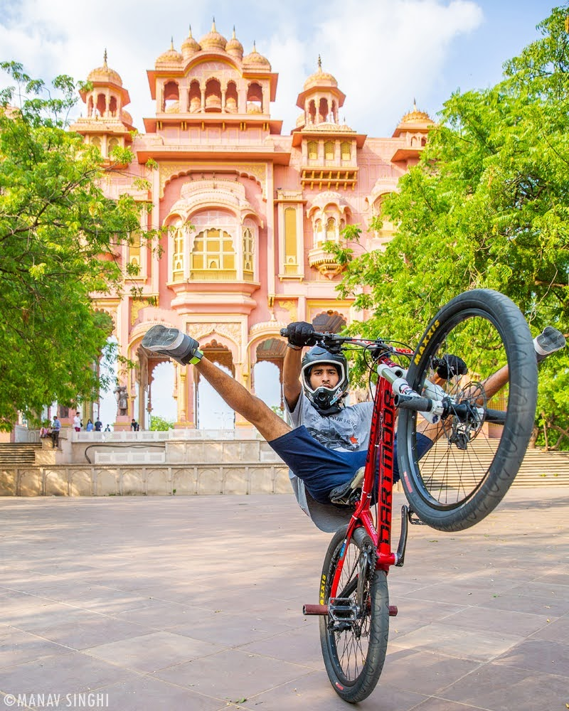 Shot some Bicycle Stunts with Shevi Naruka at Patrika Gate, Jawahar Circle, Jaipur